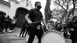 Protesta policial: gremialización bizarra, fragmentada y operada