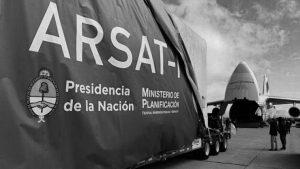 """Anabel Cisneros, la ingeniera cordobesa que rompió el """"techo de cristal"""" en ARSAT"""