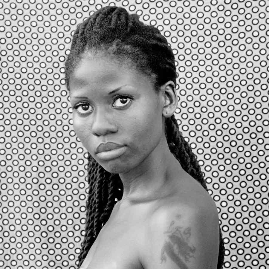 negra-afro-mujer-zanele-muholi