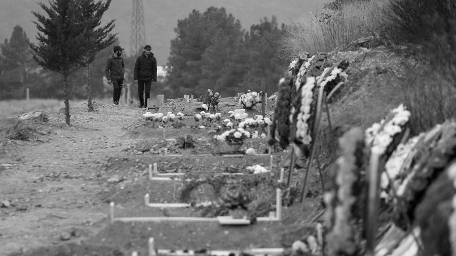 Armenia cementerio guerra la-tinta