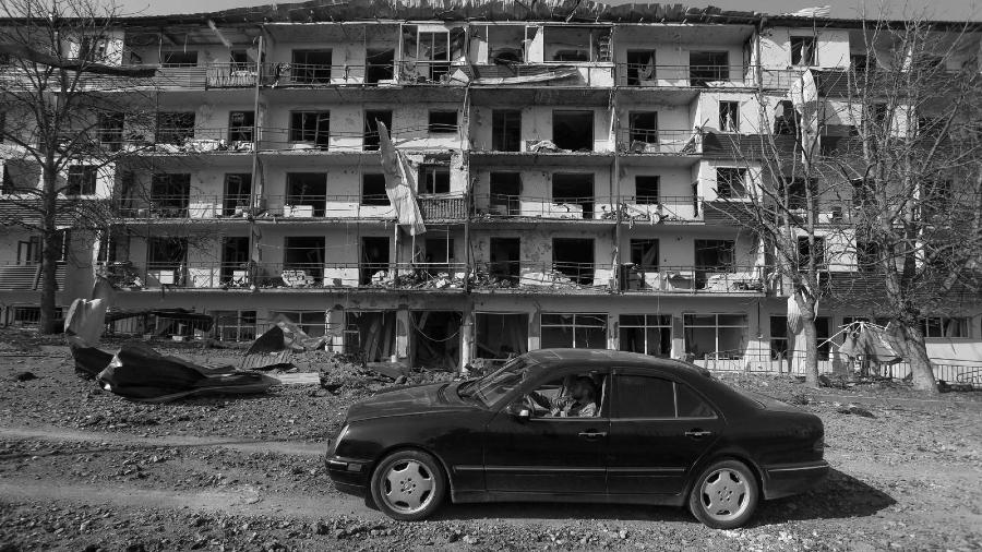 Artsaj Sushi edificio bombardeado la-tinta