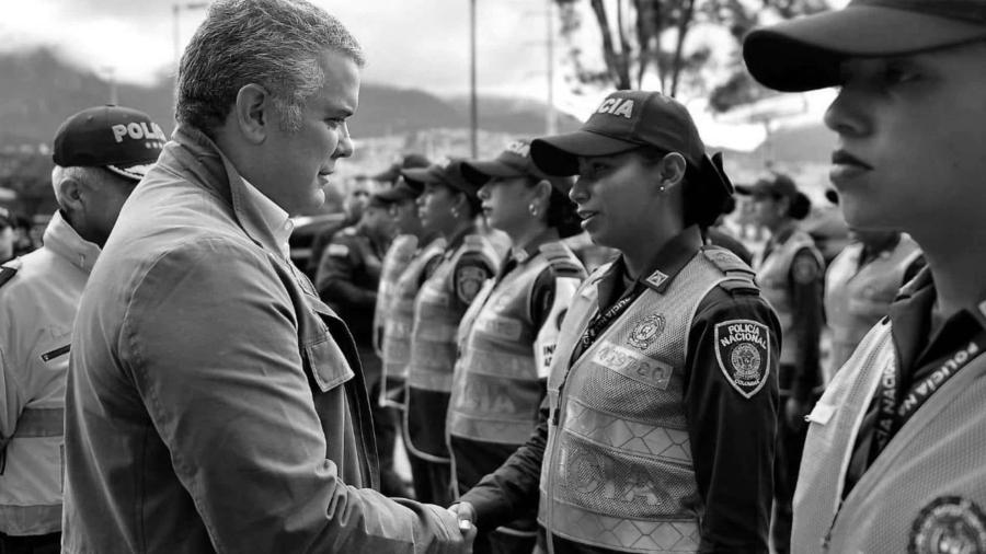 Colombia Ivan Duque policias la-tinta