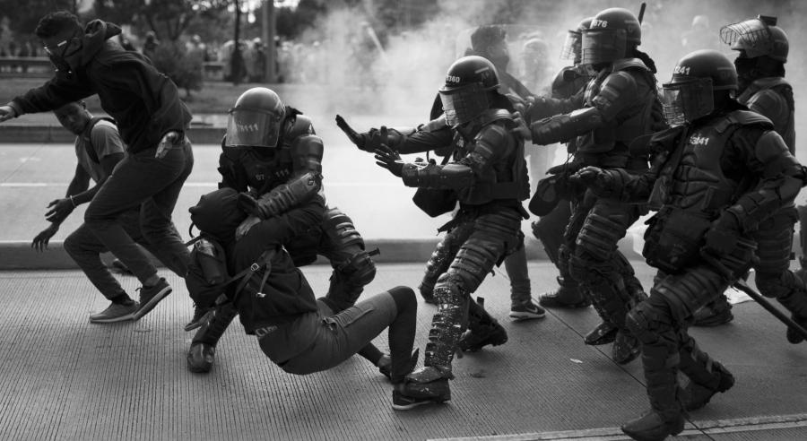 Colombia represion policial Bogota la-tinta