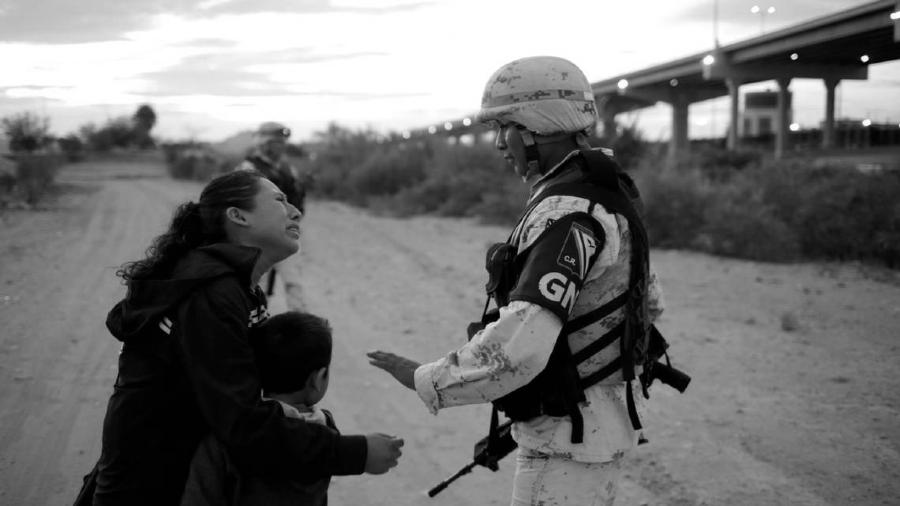 Guatemala mujeres migrantes policia la-tinta