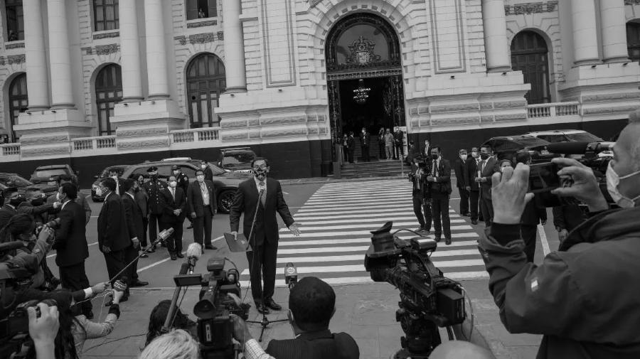 Peru presidente Vizcarra Congreso la-tinta