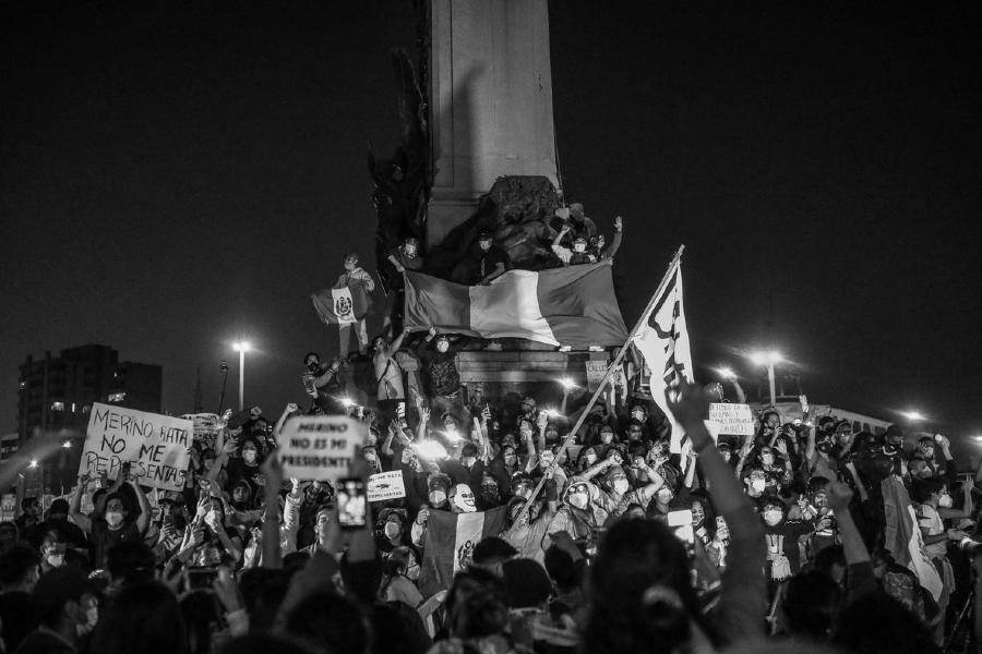Peru protestas masivas la-tinta