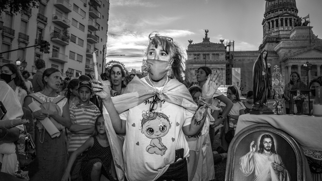 Buenos-Aires-aborto-antiderechos-celeste-diputados-10