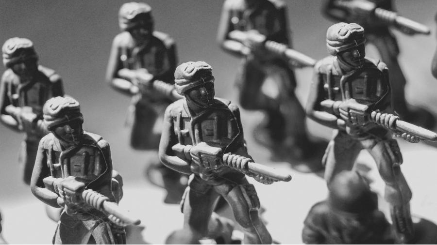 Militares soldados juguetes la-tinta