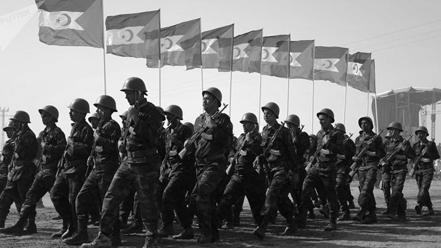 Sahara Occidental milicianos del Frente Polisario la-tinta