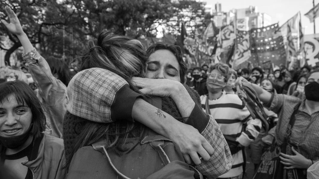 Vigilia-Aborto-2020-Diputados-Feminismo-Cordoba-La-tinta-05-mujeres