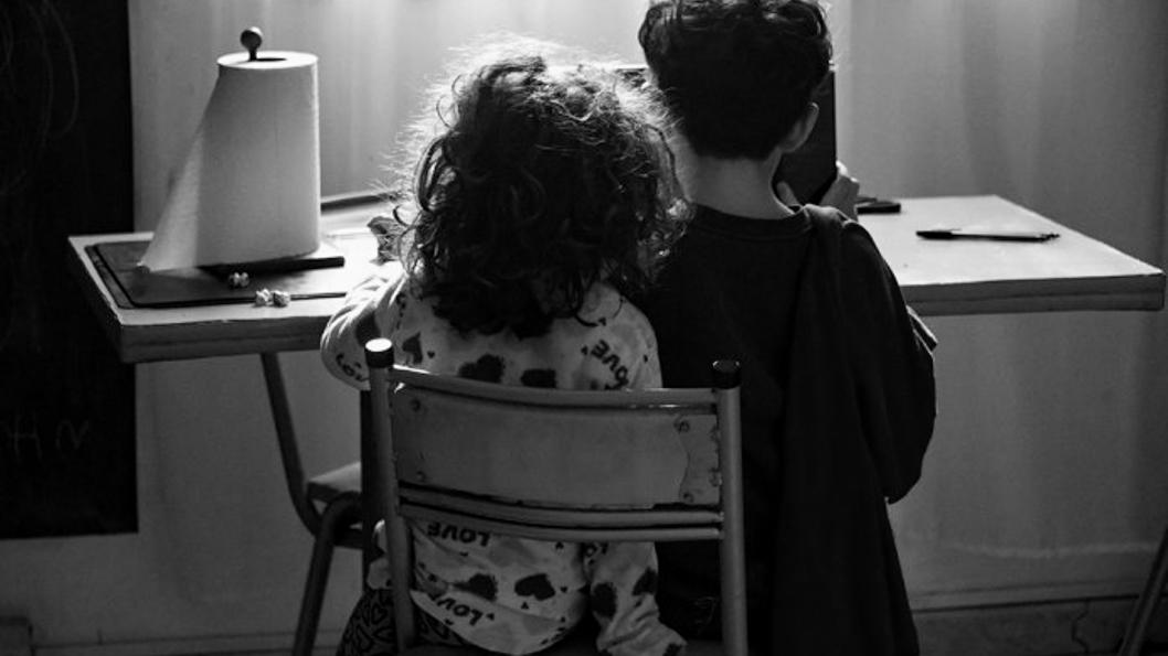 covid-pandemia-cuarentena-niño-niña-tecnología