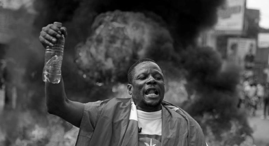 Haiti manifestante 2021 la-tinta