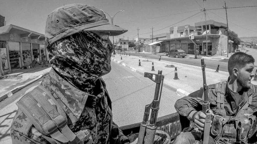 Irak Shengal miliciano de las YBS la-tinta