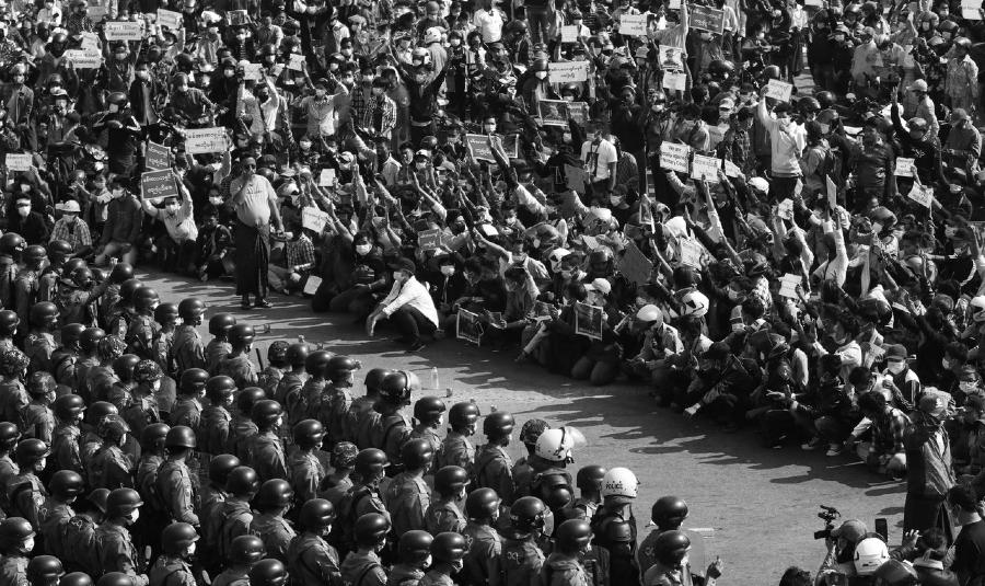Myanmar resistencia al golpe de estado la-tinta