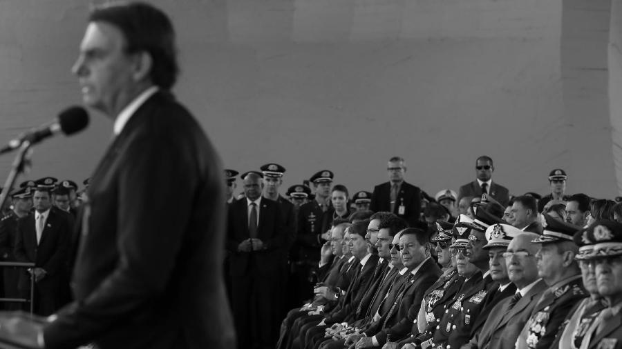 Brasil presidente Bolsonario militares la-tinta