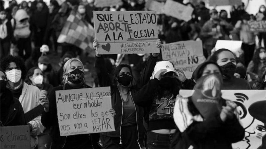 Ecuador mujeres protestas aborto legal la-tinta