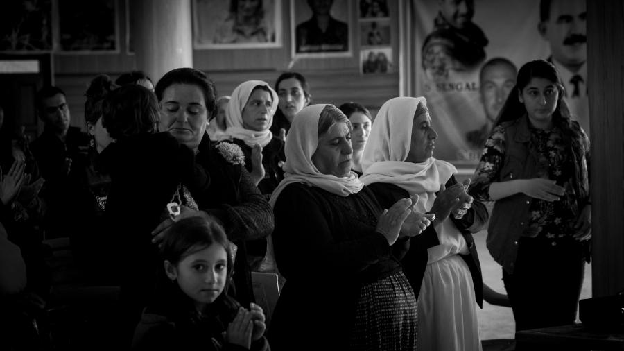 Irak Shengal mujeres yezidies la-tinta