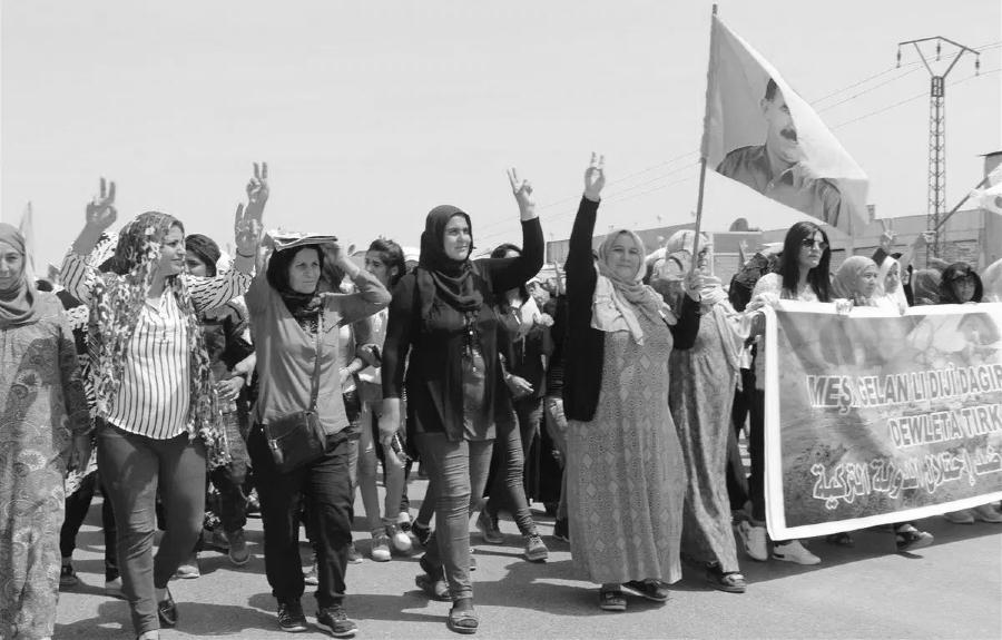 Kurdistan rojava mujeres movilizadas la-tinta