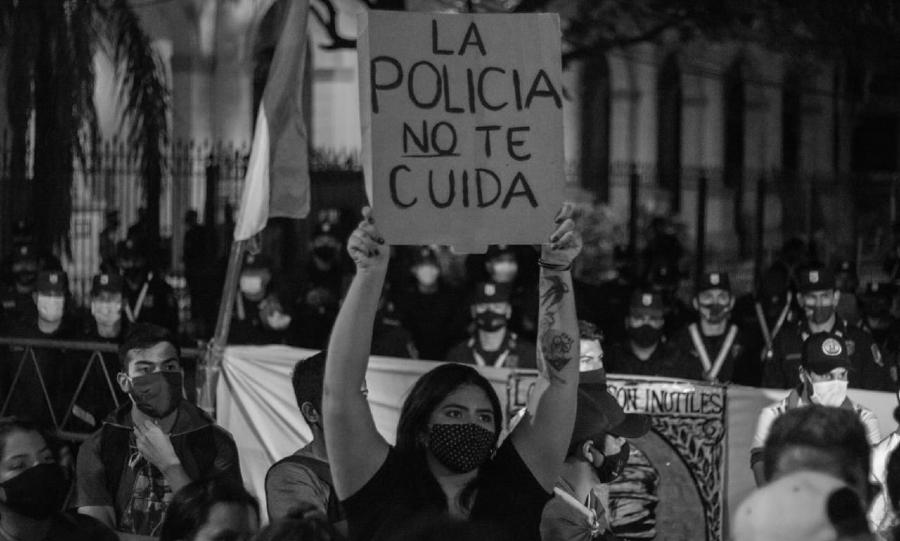 Paraguay la policia no te cuida la-tinta