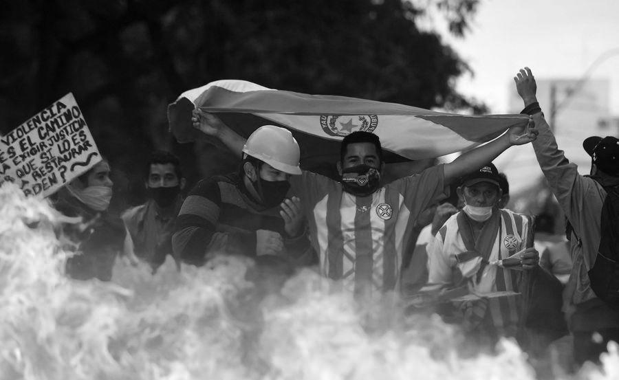 Paraguay manifestantes barricadas la-tinta