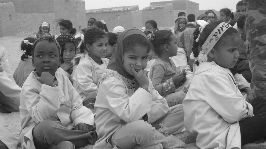 Sahara Occidental niños en los campamentos la-tinta