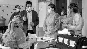 Denuncian que en Córdoba aún resta vacunar a la mitad del personal de Salud