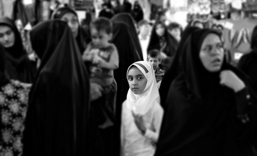 Iran mujeres y niñas la-tinta