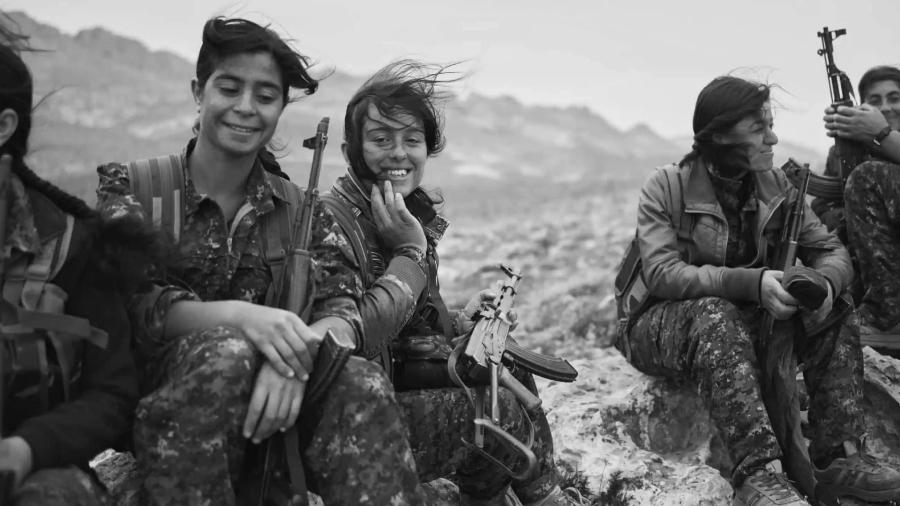 Kurdistan guerrilleras montañas la-tinta