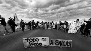 Los y las trabajadoras de la salud de Neuquén suman bloqueos en reclamo de un 40% de aumento salarial