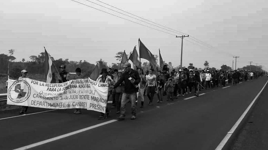 Paraguay-Manifestación-soja-tierra-campo-campesinos