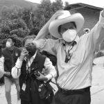 Profesor de escuela Pedro Castillo sorprende y pasa a la segunda vuelta en Perú