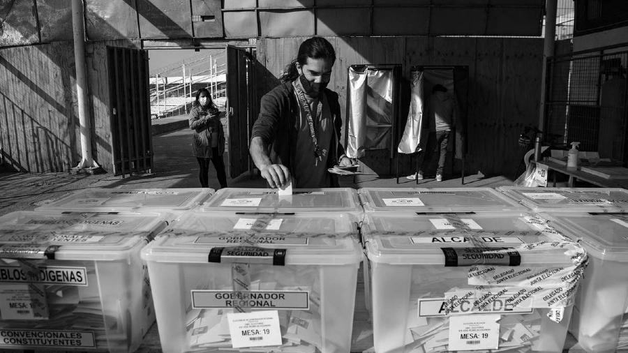 Chile mesas de votacion constituyente la-tinta