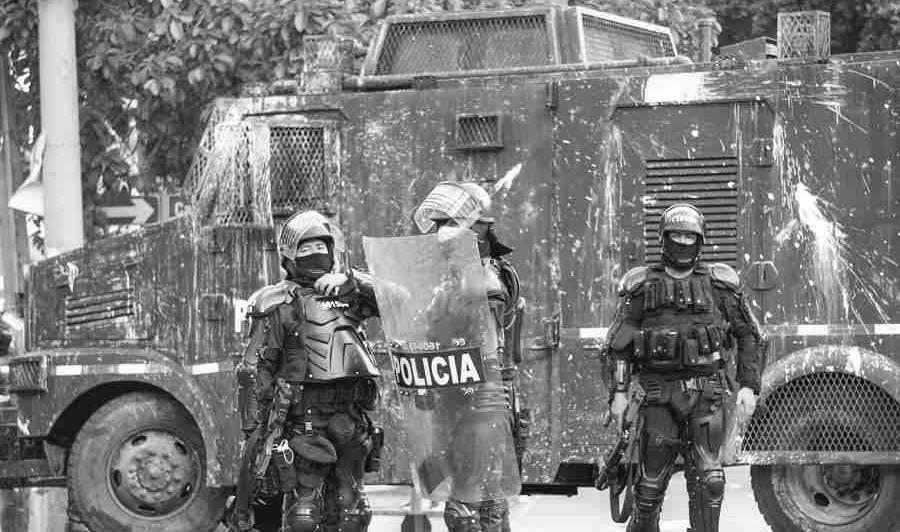 Colombia Bucaramanga fuerzas policiales la-tinta