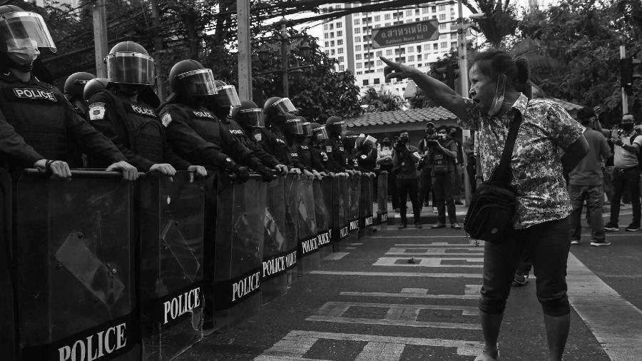 Myanmar manifestantes contra golpe de estado la-tinta