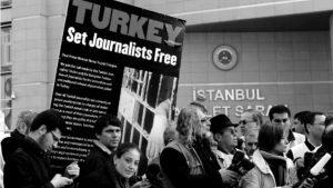 El peligroso oficio del periodismo en Turquía