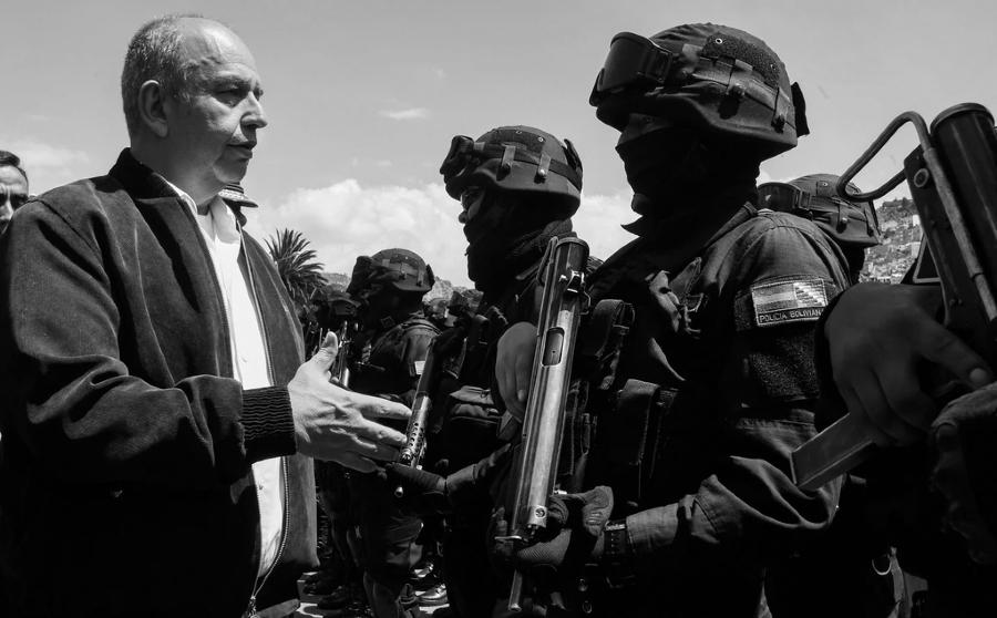 Bolivia Arturo Murillo fuerzas armadas la-tinta