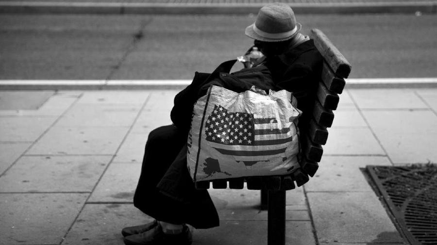 Estados Unidos pobres en las calles la-tinta
