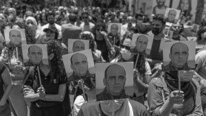 La muerte de Nizar Banat levanta a miles de palestinos y palestinas