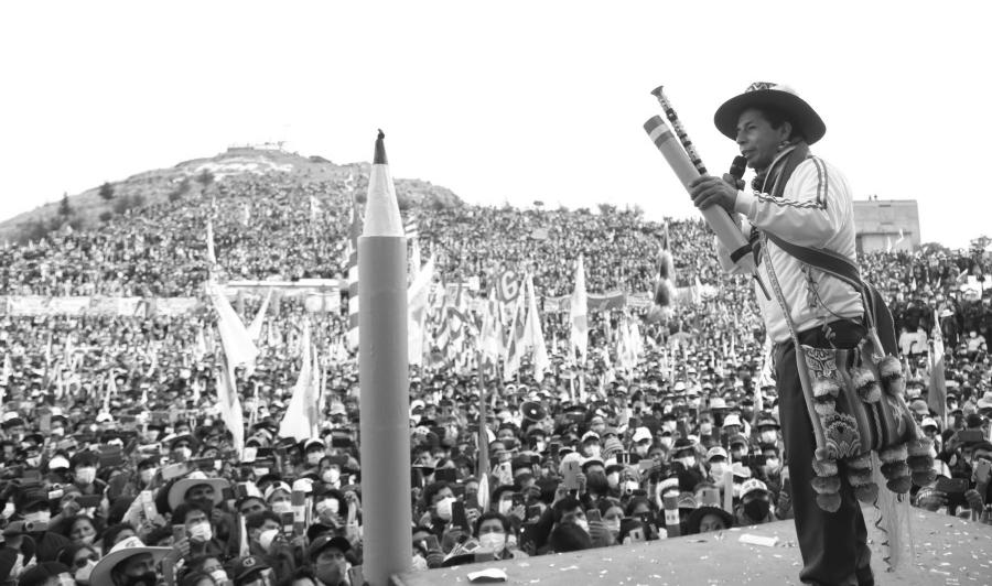 Peru Pedro Castillo acto masivo la-tinta
