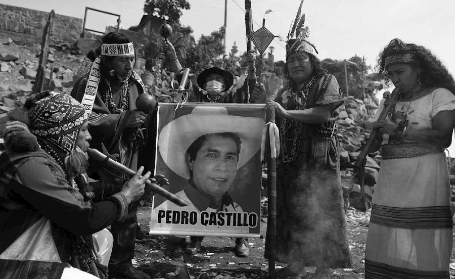 Peru pueblos originarios Pedro Castillo la-tinta