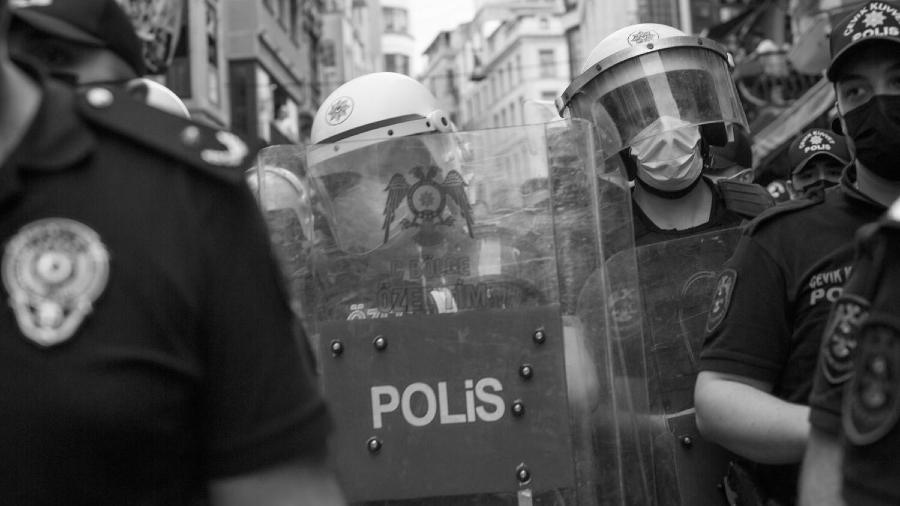 Turquia Estambul represion marcha del orgullo la-tinta