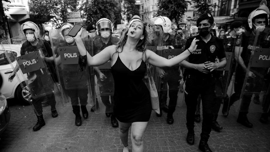 Turquia marcha del orgullo Estambul la-tinta