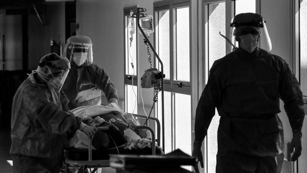 salud-hospital-covid-pandemia-enfermeros-médicos