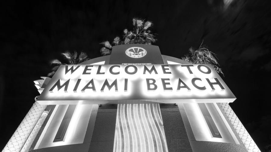 Estados Unidos Miami noche la-tinta