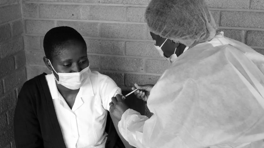 Sudafrica vacunacion Covid la-tinta