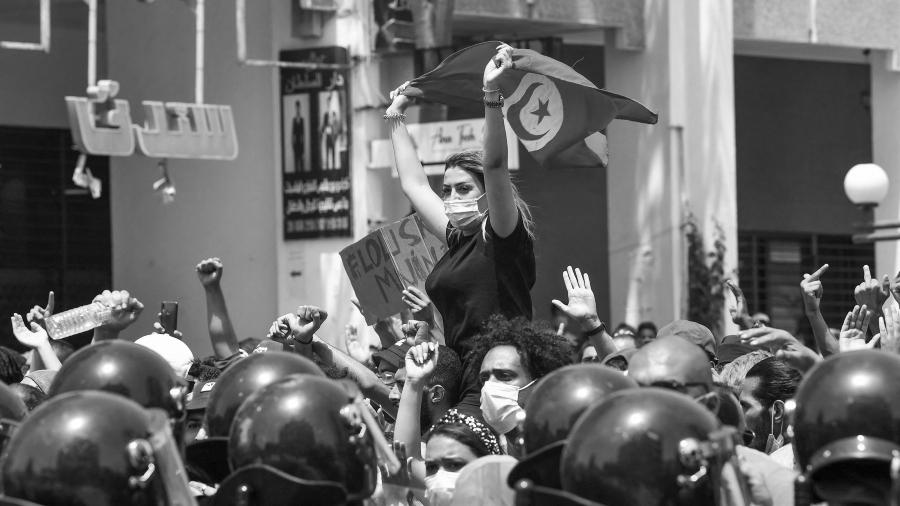 Tunez protestas la-tinta