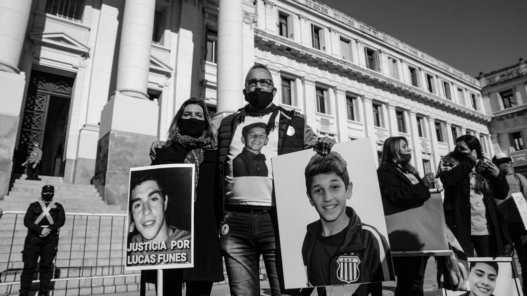 prensa-familiares-contra-violencia-institucional-lucas-funes