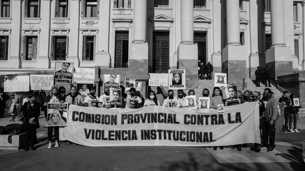 prensa-familiares-contra-violencia-institucional
