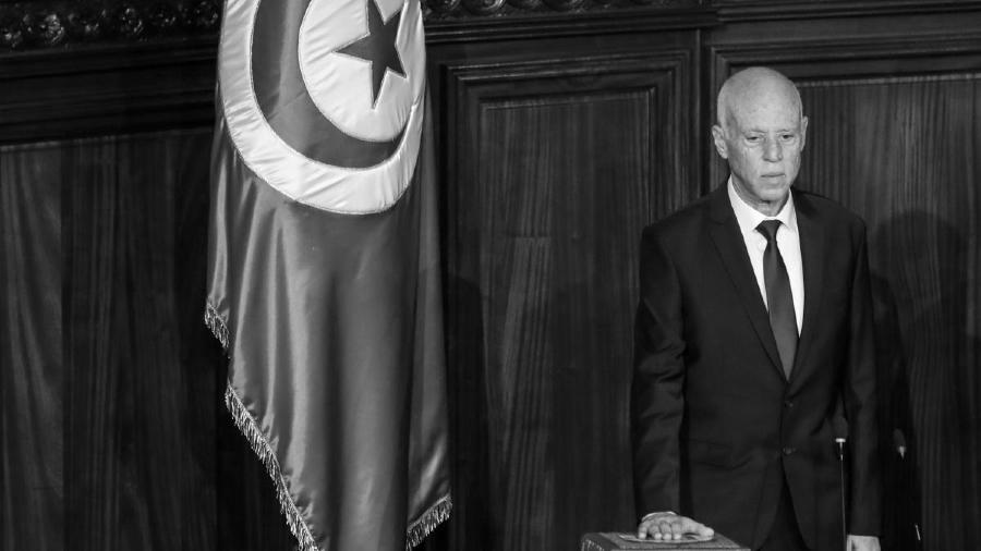 tunez presidente kais saied la-tinta