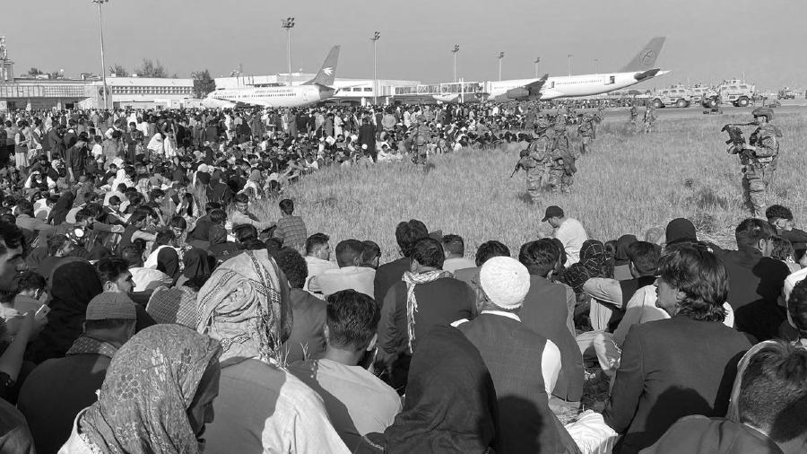 Afganistan Kabul aeropuerto refugiados la-tinta